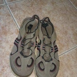 New Balance Gray Closed Toe Sandals Men's